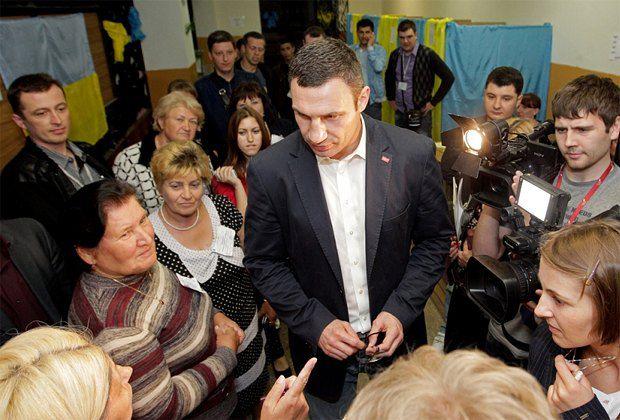 Виталий Кличко на избирательном участке в Василькове