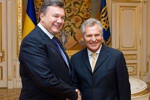Янукович поздравил Квасьневского с днем рождения