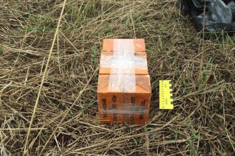 10 військових поранені біля Мар'їнки через необережне поводження з вибухівкою (оновлено)
