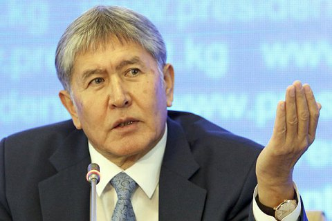 ВАП Кыргызстана опровергли информацию оразговоре Порошенко иАтамбаева— Президентский розыгрыш