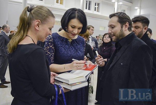 Справа - министр информационной политики Юрий Стець