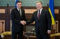 Президент Словении прилетел к Порошенко после переговоров с Меркель и Путиным