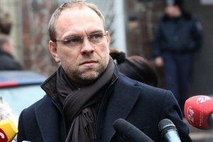 Тимошенко ще раз попросилася на могилу свекра
