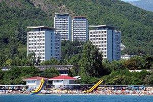 На территории санатория Минобороны в Крыму построили кафе