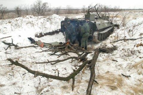 Боевики наДонбассе стреляли 48 раз, пытались штурмом взять позиции сил АТО