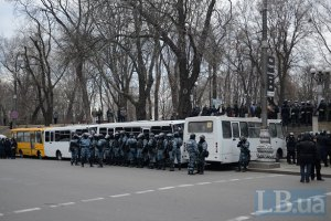 Силовиков активно стягивают в центр Киева