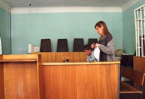 Рімма Білоцерковська готується до засіданння суду