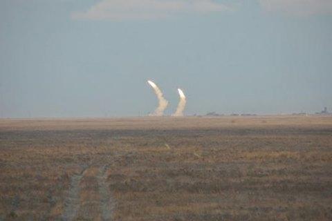 Турчинов обучениях вблизи Крыма: Ракеты попали взапланированные цели