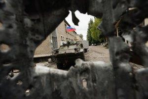 Террористы на танках штурмуют Луганский аэропорт