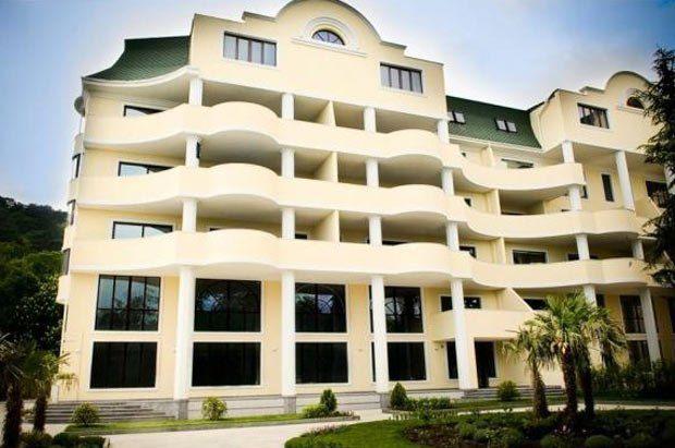Цей 6-ти поверховий будинок в «Ореанда плазі» місцеві називають власністю дружини Литвина