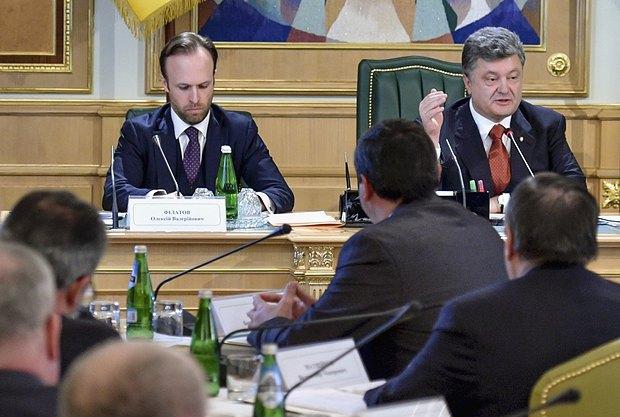 Філатов та Порошенко під час зустрічі з членами ради з питань судової реформи
