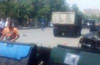 Полиция разобрала баррикады протестующих в Ереване