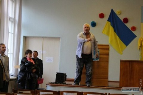 НаОдесчине депутата Оппоблока бросили вмусорку