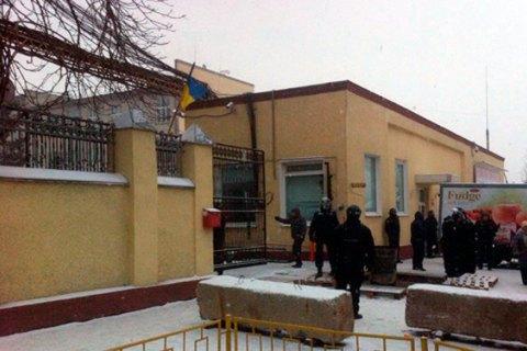 Поліція взяла під охорону фабрику «Житомирські ласощі»