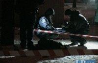 В Киеве на Березняках в снегу обнаружили труп мужчины