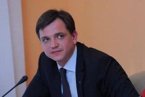 Янукович позитивно оценил работу местных властей с детьми-сиротами, - Павленко