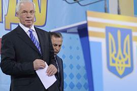 Журналистов просят задавать Азарову вопросы письменно и заранее(ОБНОВЛЕНО)