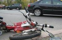 На Харьковском шоссе в Киеве произошло ДТП с участием велосипедиста