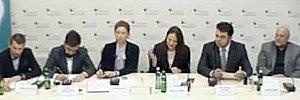 http://lb.ua/news/2016/10/26/348930_translyatsiya_kruglogo_stola_temu.html