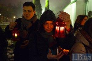 В Киев привезли Вифлеемский огонь мира
