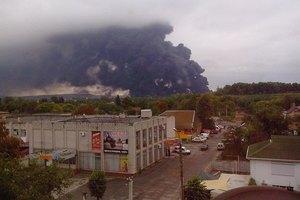 Поезд с нефтью сошел с рельсов и загорелся в Черкасской области
