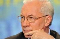 Азаров отказался от сосисок и колбасы, узнав их состав