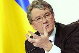 """В разгар """"дела педофилов"""" Ющенко раскритиковал власть за низкие темпы усыновления"""