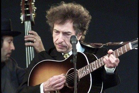 Боб Ділан погодився прийняти Нобелівську премію
