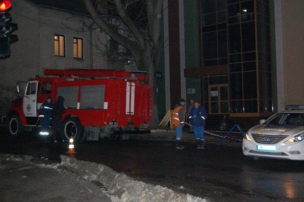 В итоге взрыва газа вканализационных колодцах вТернополе травмированы два пешехода