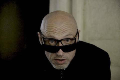 Письменникові Юрію Іздрикові потрібна допомога для лікування зору