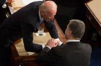 Порошенко ночью призвал Байдена помочь Украине защититься от агрессии