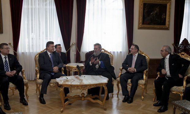 Виктор Янукович встретился с архиепископом Хризостомом II