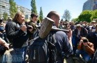 В Киеве сносят памятник чекистам