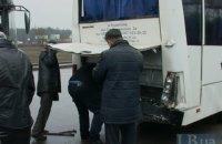 В Киеве грузовик протаранил автобус с пассажирами