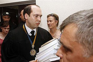 У судьи Вовка доход 77 тыс. гривен