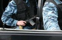 Охрана Януковича угрожала людям автоматом