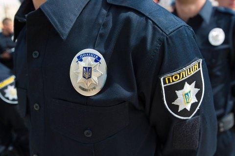 Киевскому патрульному сломали нос при попытке утихомирить пьяную компанию