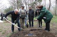 Чиновники Одесского горсовета провели субботник