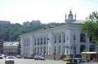 Аренда Гостиного двора обходится застройщику в 100 гривен в месяц