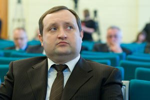Арбузов предупредил о пагубном влиянии Майдана на экономику