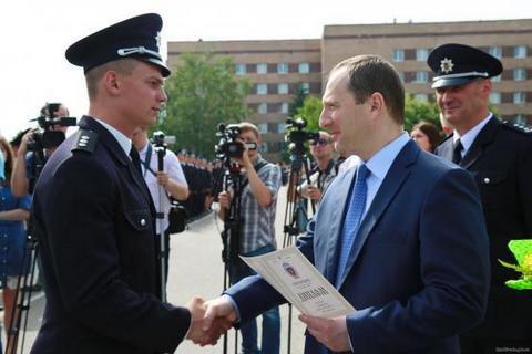 Райнин: современный полицейский должен завоевать доверие народа