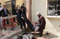 В результате взрыва в пакистанской больнице погибли 52 человека (обновлено)