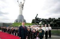 Янукович пожелал украинцам в День Победы мирного неба и благополучия