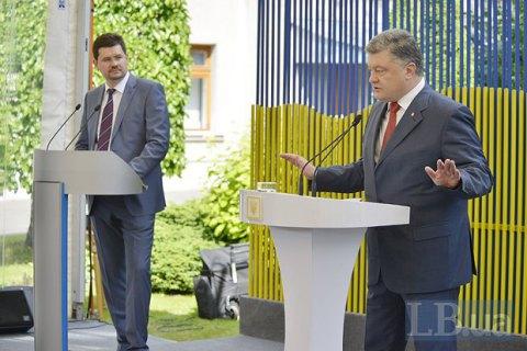 «Отреагирую наложь Тимошенко»: Цеголко продемонстрировал реальную заработную плату Порошенко