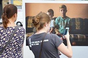 В Киеве открылась фотовыставка, посвященная семьям пропавших без вести