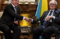 Евроинтеграция Украины не должна зависеть от дела Тимошенко - экс-глава МИД Франции