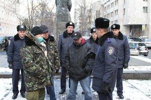 Афганцы вместе с милицией начали охрану Евромайдана
