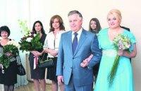 Янукович пожелал Симоненко семейного уюта