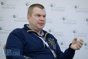 Экс-министр Булатов ушел в АТО
