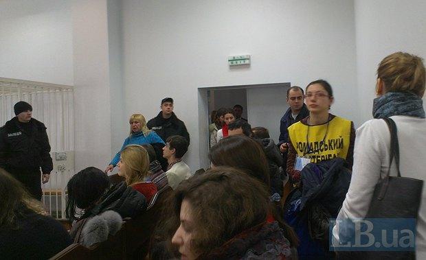 Апелляционный суд отпустил под домашний арест троих майдановцев и журналиста Кудинова